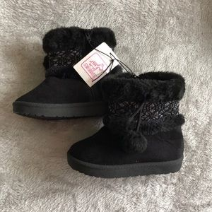 Swiggles Shoes - Girls Faux Suede Boots Size 9 Toddler